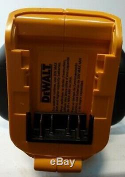 Dewalt-DCHT820 20V MAX Cordless 22 in. Hedge Trimmer (Tool Only) L