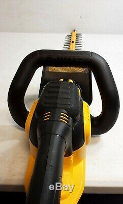 Dewalt DCHT820 20V Max 22 Hedge Trimmer Cordless Li-Ion (Tool Only)(O)