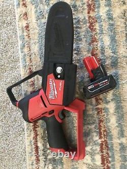 Milwaukee 2527-20 M12 FUEL HATCHET Li-Ion 6 in. Pruning Saw Tool & Battery Only
